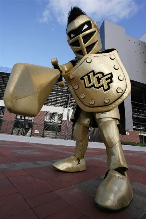 132+ Teams in 132+ Days: UCF Knights : CFB