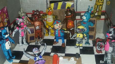 Juguetes de five nights at freddy pizzeria - YouTube