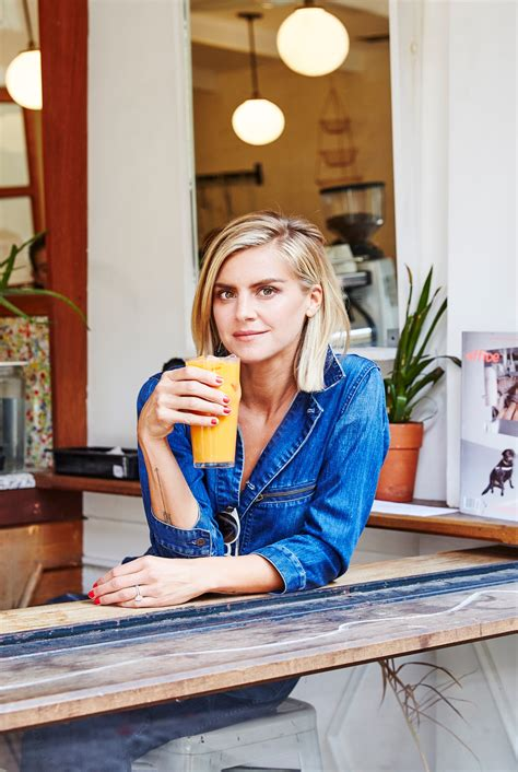 """Eliza Coupe: """"I'm an Actress with Food Issues and Body"""