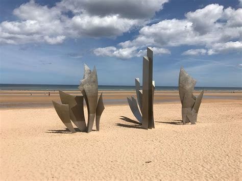 Omaha Beach Monument Les Braves - KilRoyTrip